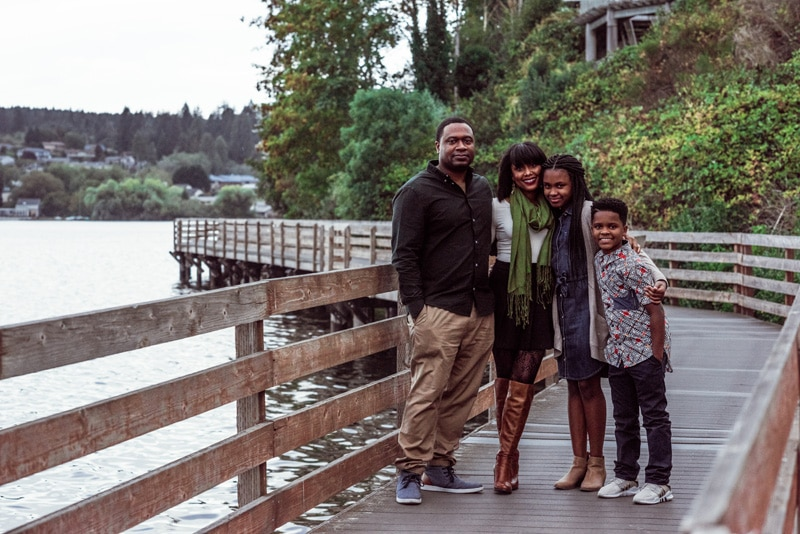 Family Photographer, Family Photography Memories, Family posing on wooden bridge