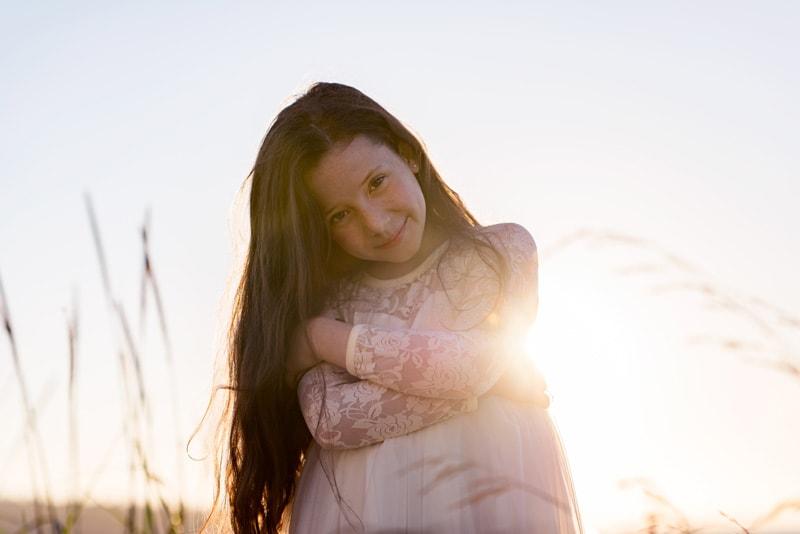 Children Photography - Children Photographer - Girl in white dress