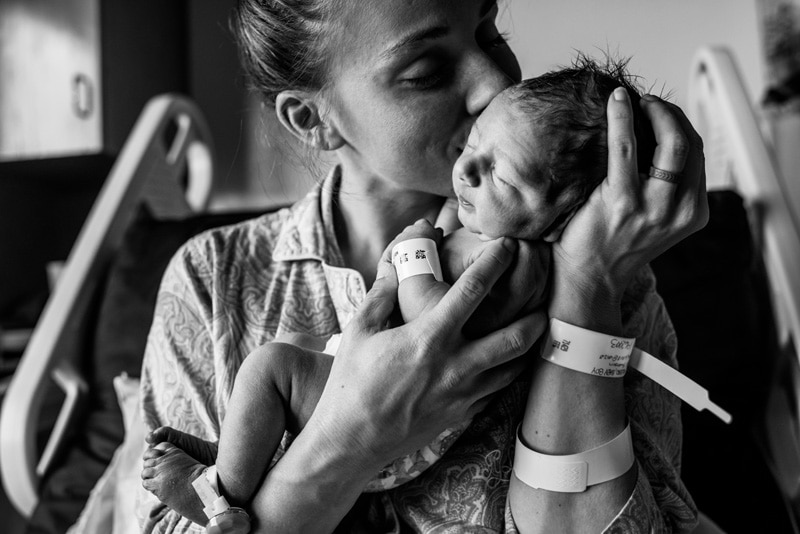 Fresh 48 Photographer, Fresh 48 Photography Memories, black and white of mother kissing new baby